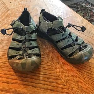 Keen Green Hiking Sandals with Camo Sole, Sz 3
